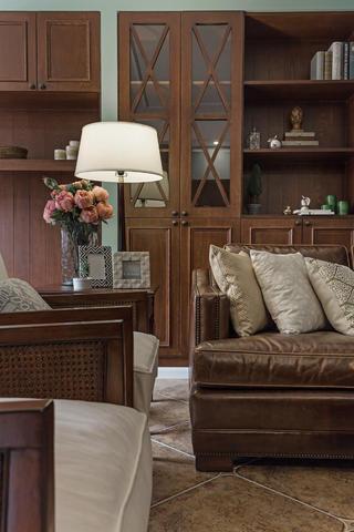 美式风格三居之家沙发一角