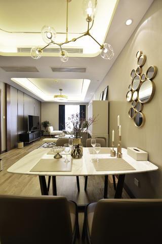 120平三居装修餐桌图片