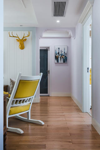 美式二居装修客厅过道