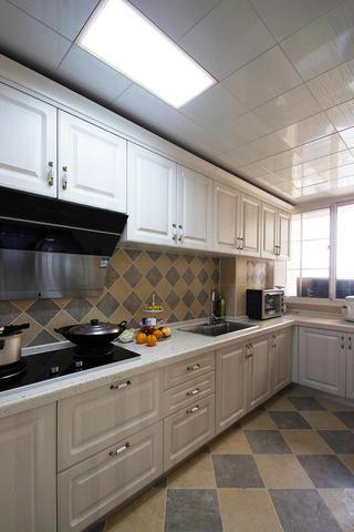 美式四居装修厨房参考图