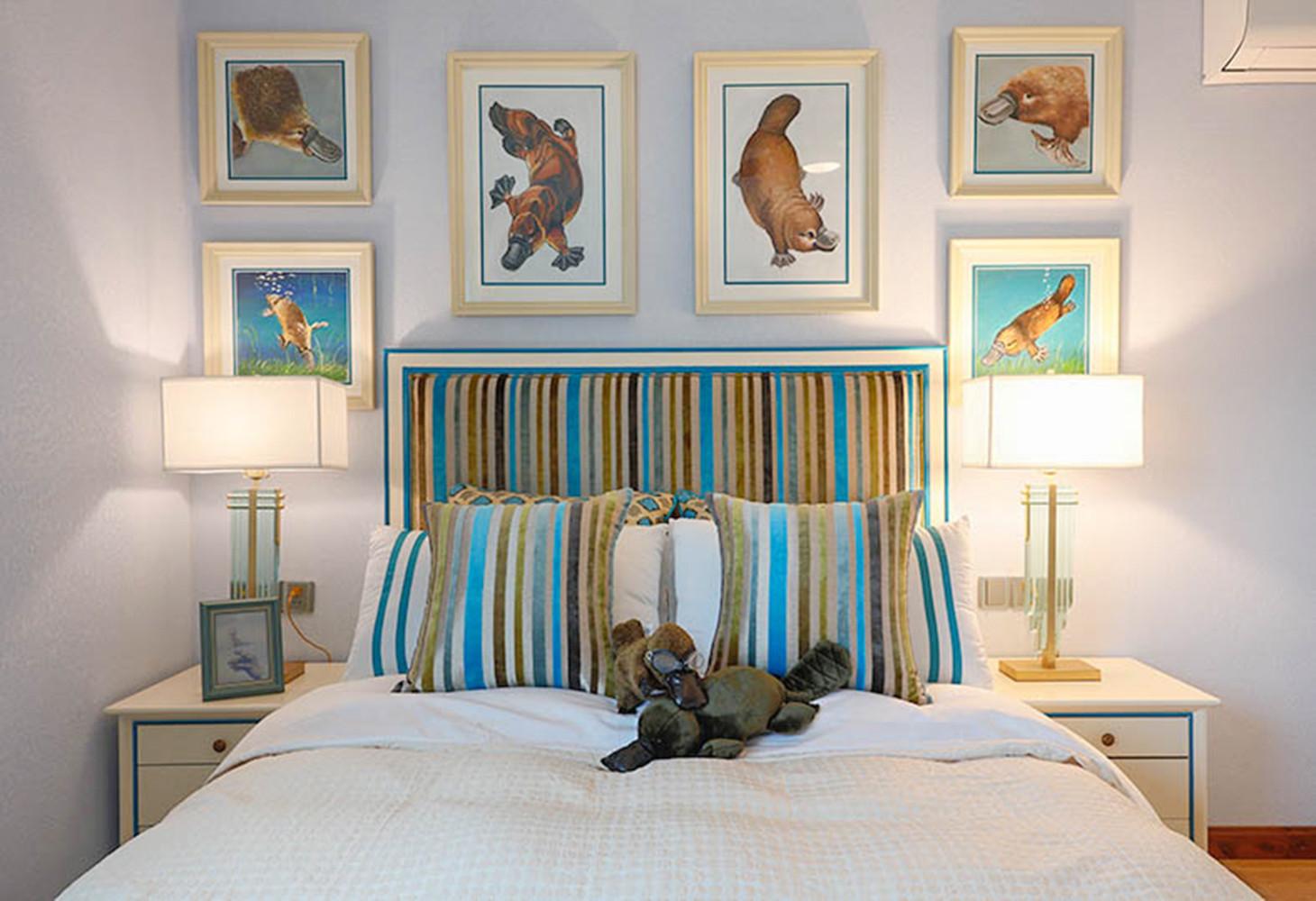 美式别墅装修床头墙设计