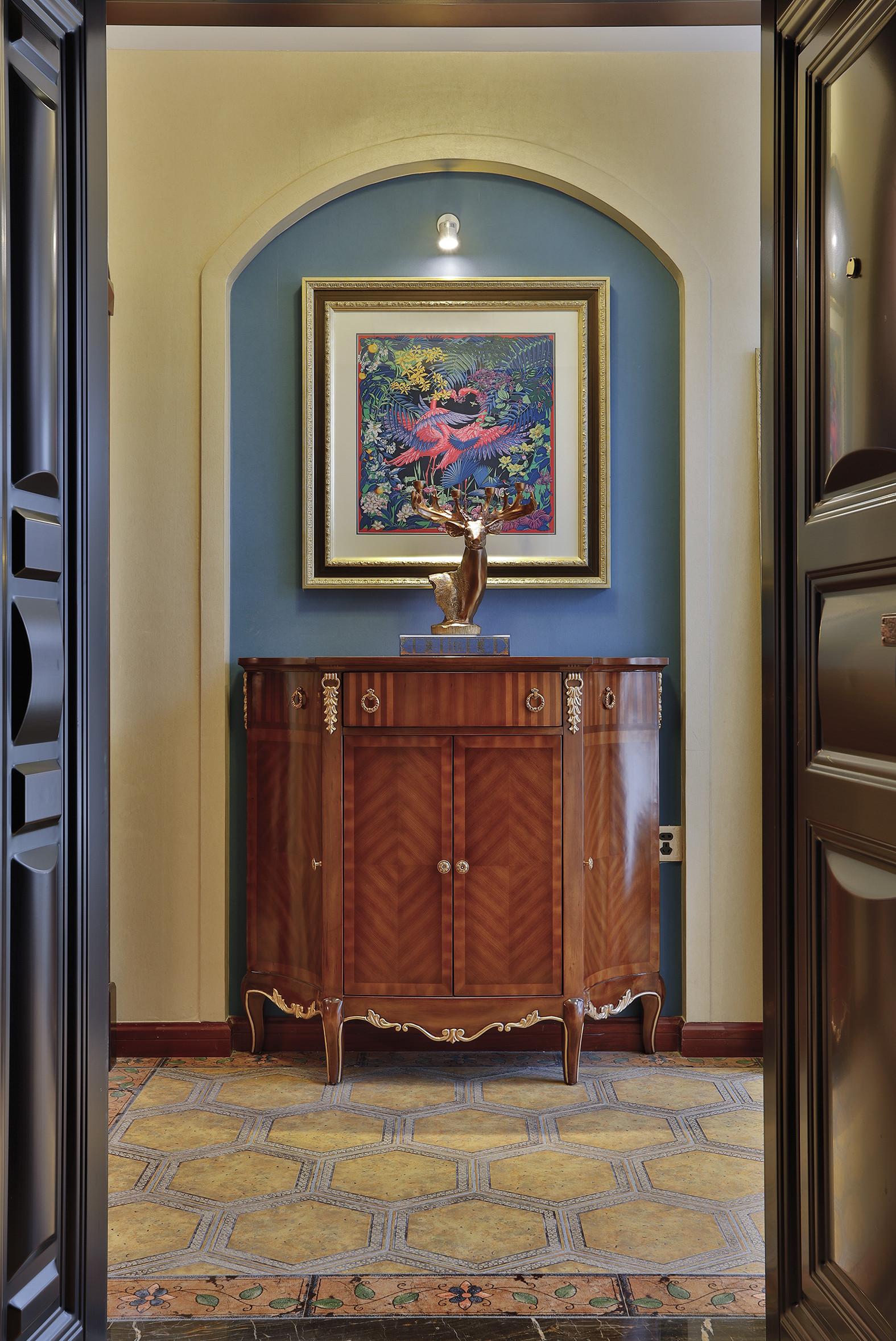 古典美式复式装修玄关效果图