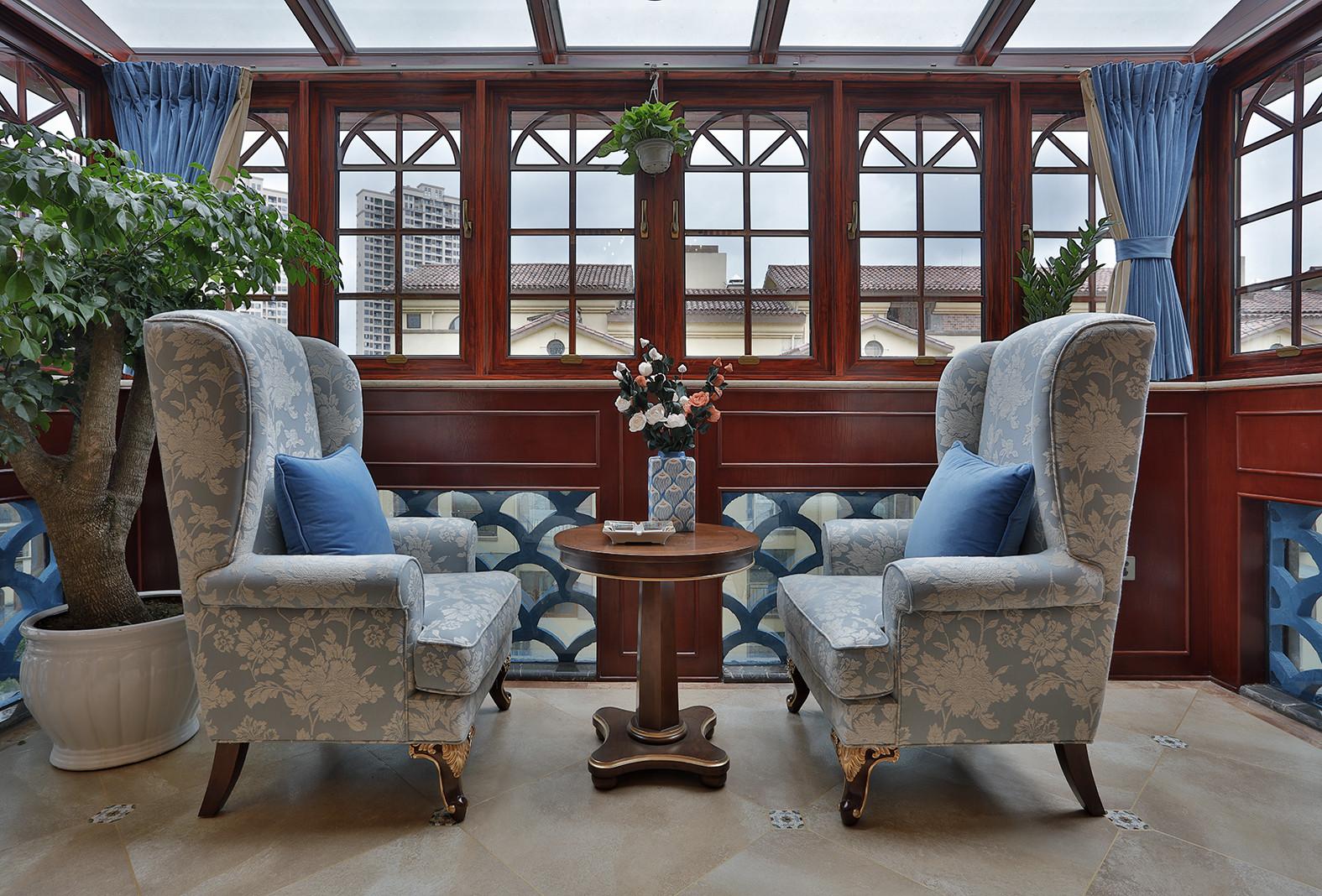古典美式复式装修阳台布置图