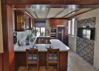 古典美式复式装修厨房设计图