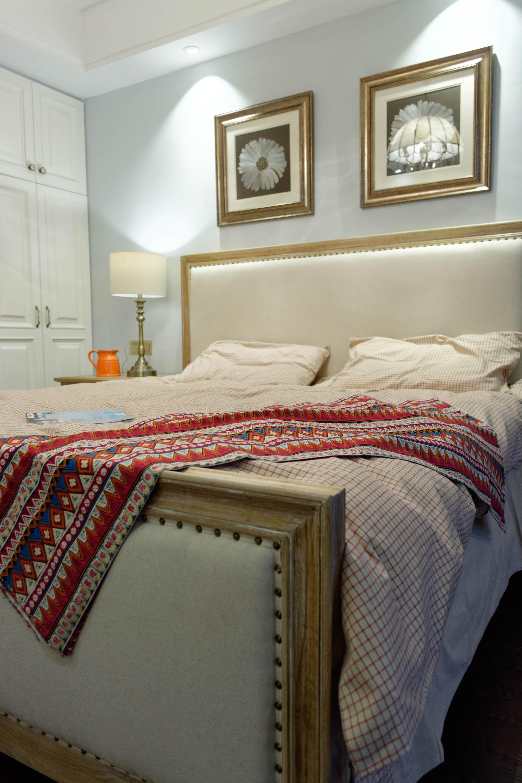 105平美式风格装修床上用品图片