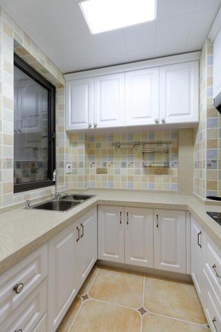 105平美式风格装修厨房设计图