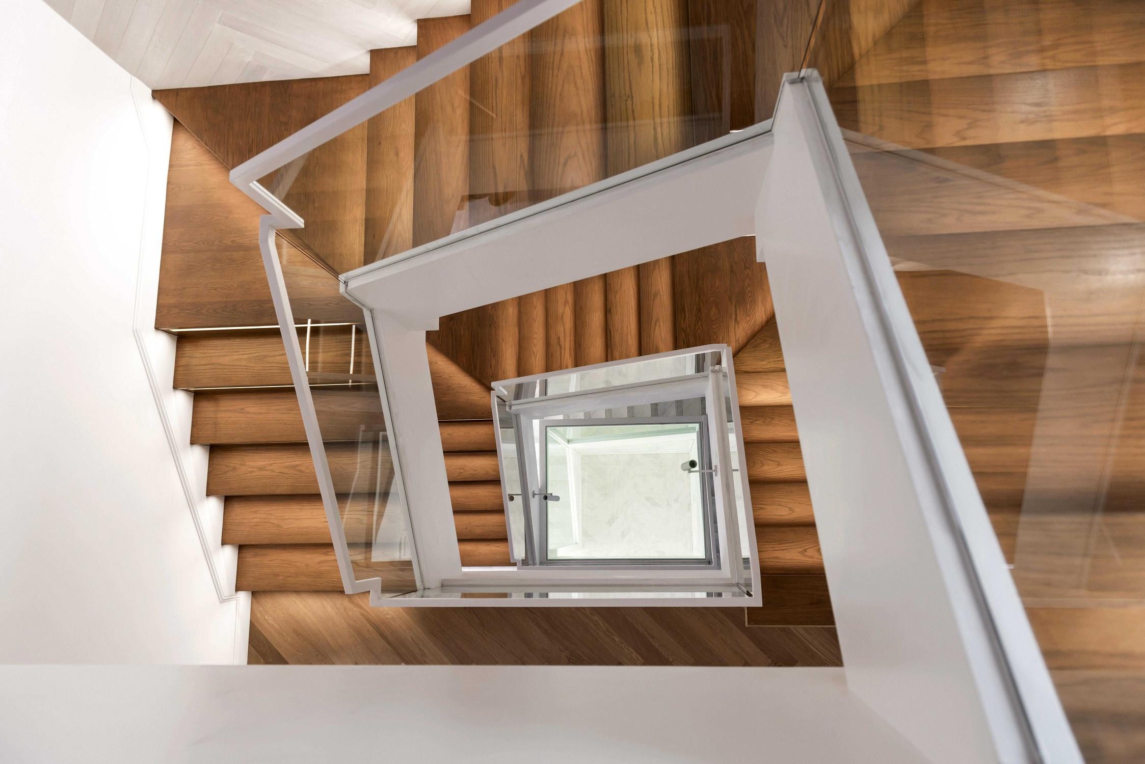 现代别墅装修楼梯俯视图
