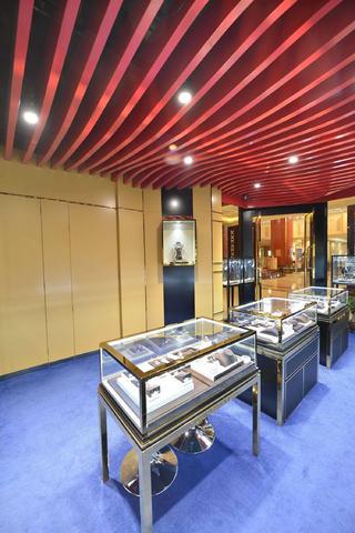 25平珠宝店装修隐形门设计