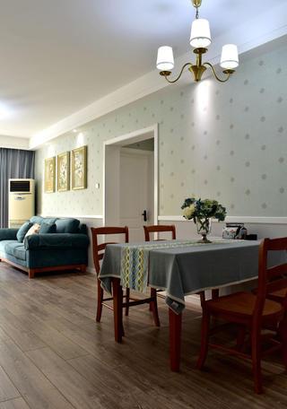 美式风格二居装修餐桌图片