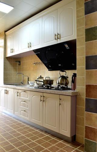 美式风格二居装修厨房设计图