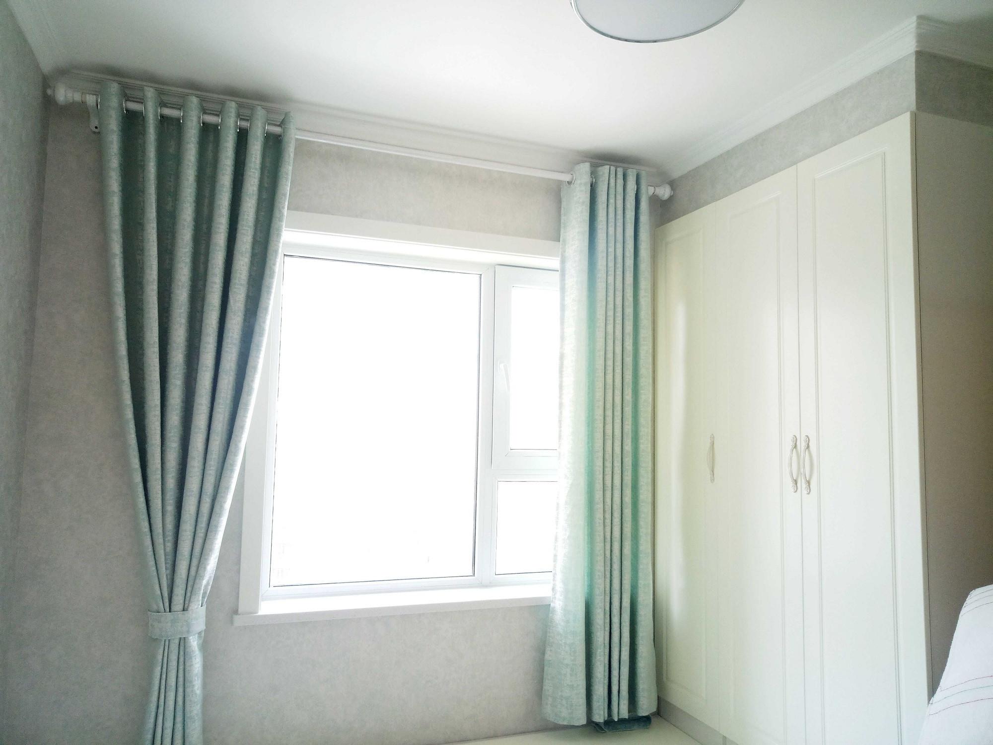简约美式三居装修窗帘图片