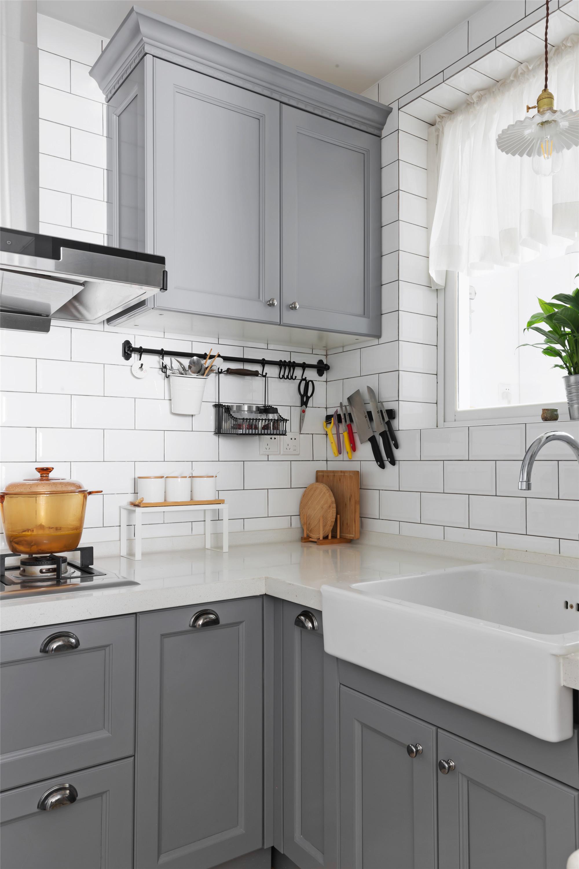 现代美式装修厨房设计图