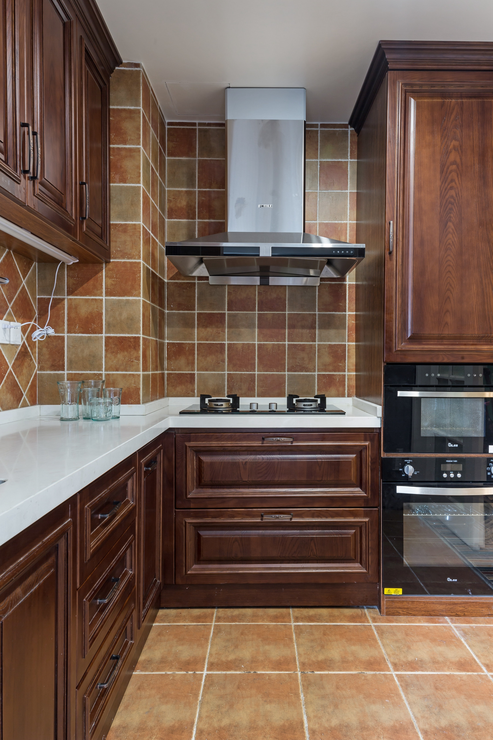美式四居装修厨房效果图