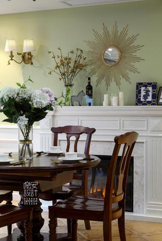 简美复式装修餐桌椅图片
