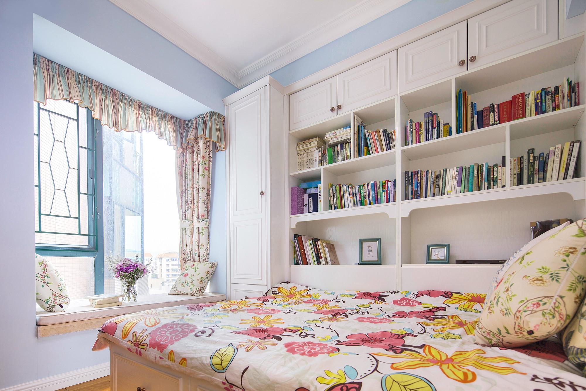 美式三居装修次卧设计图