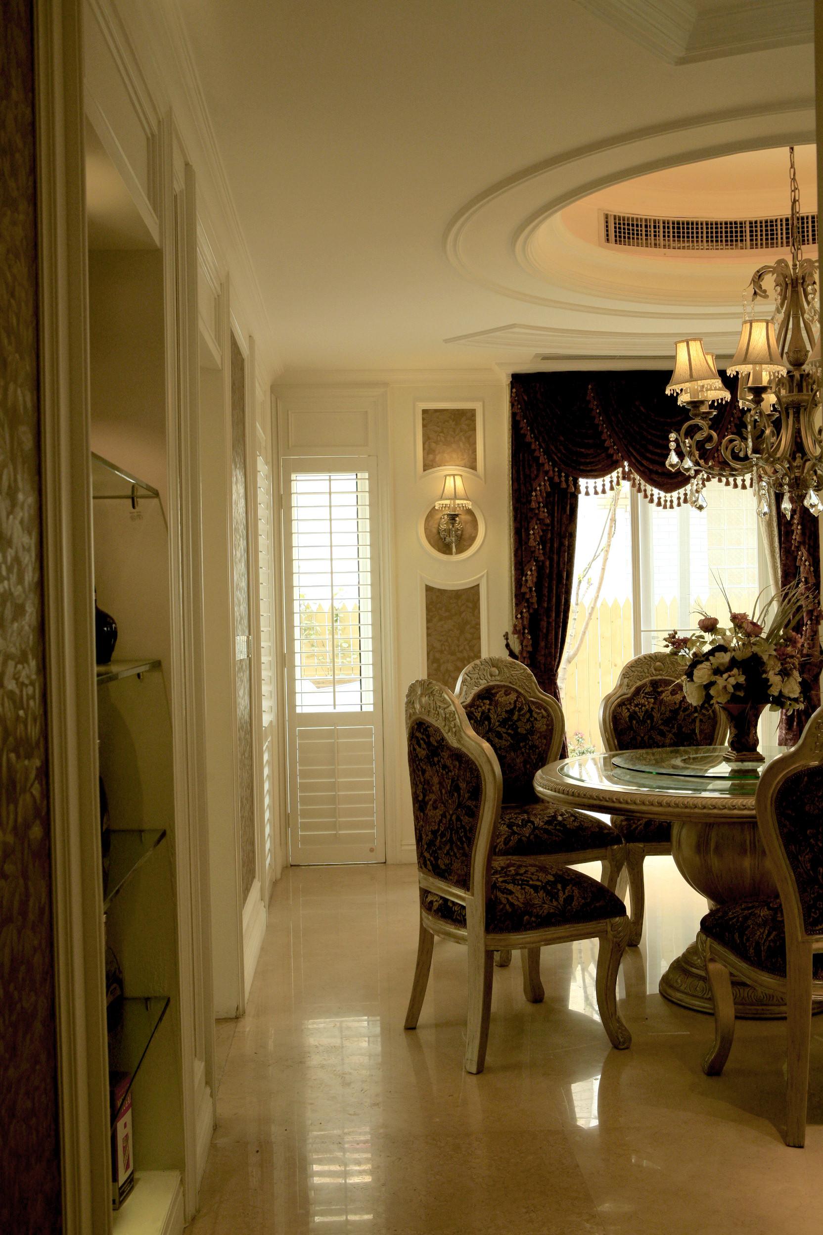 欧式别墅装修餐桌椅图片