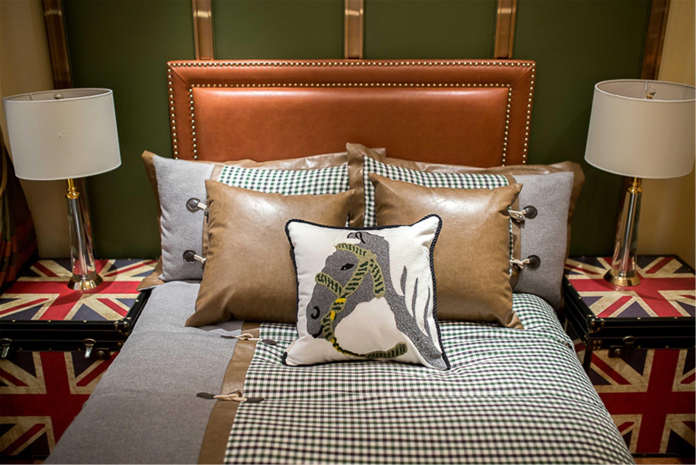 现代风格三居床品图片