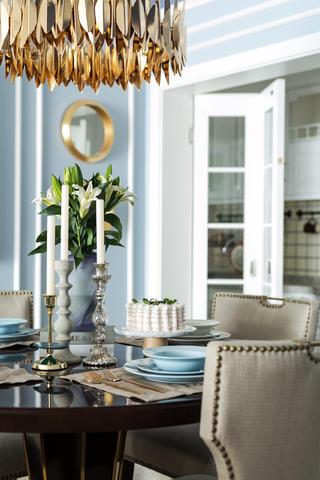 美式三居装修餐桌摆件