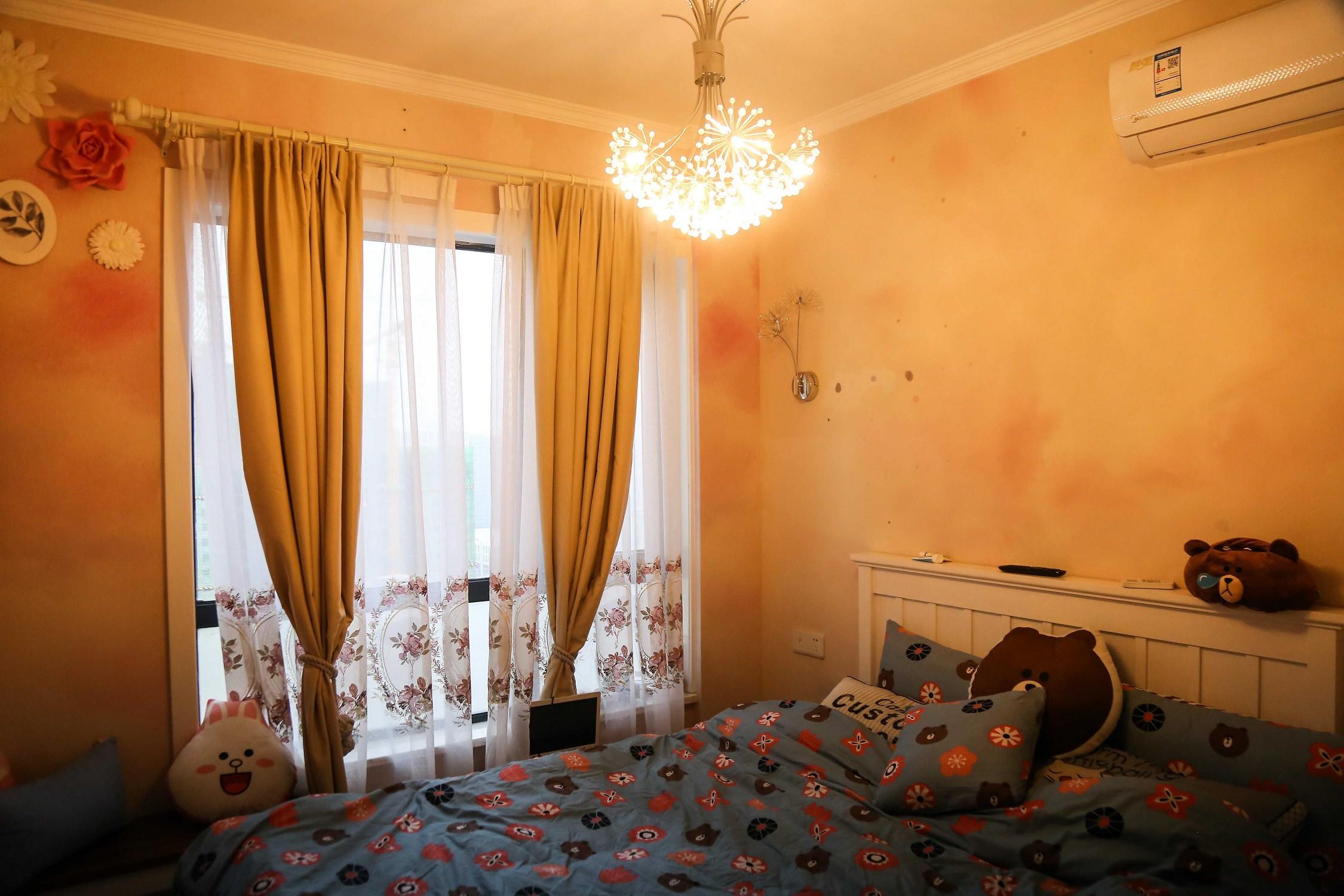 北欧温馨二居装修卧室实景图