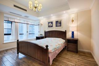 美式三居之家床头柜图片