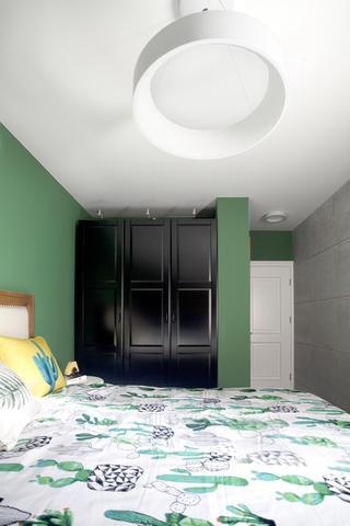 70平简美二居装修衣柜图片