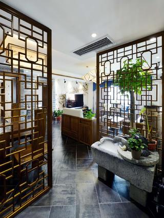 新中式三居装修玄关设计