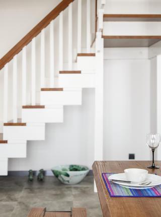 现代中式复式装修楼梯图片