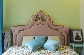 83平美式风格设计床头软包图片