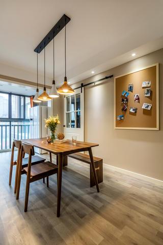 三居室简约风格家餐厅设计图