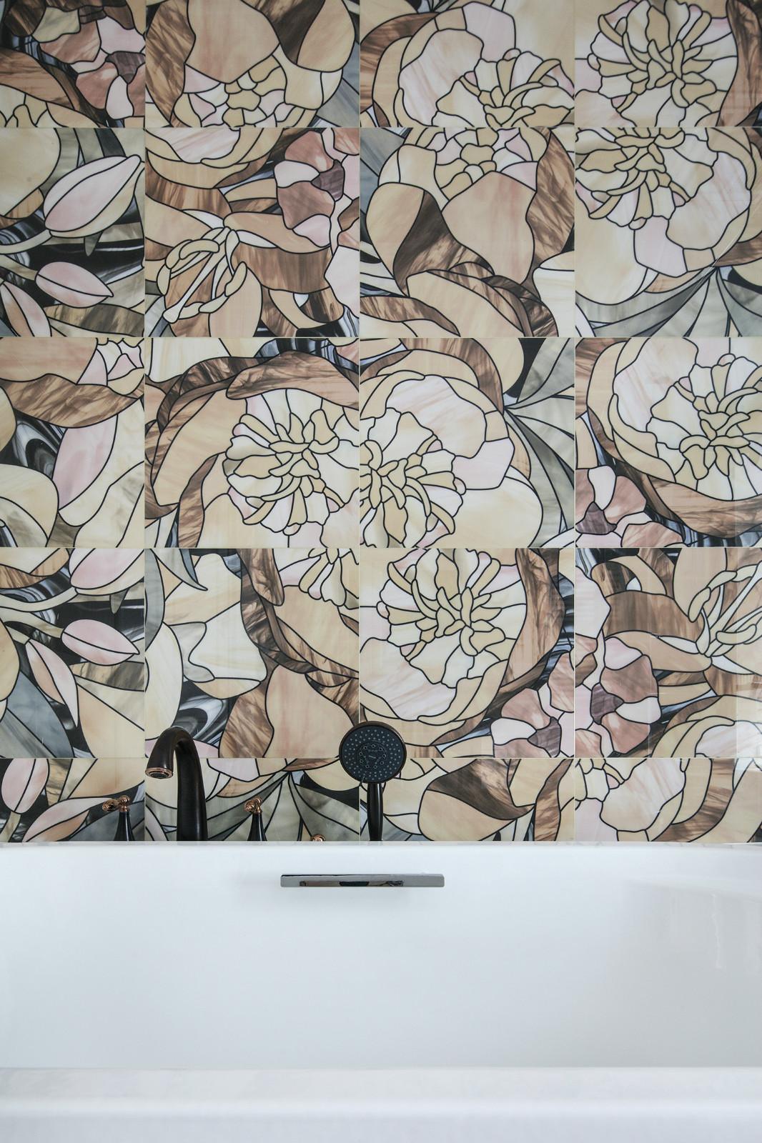 大户型混搭装修浴缸背景墙设计