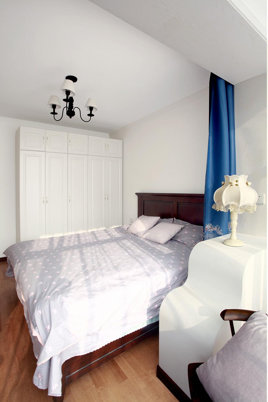 混搭二居室装修衣柜图片