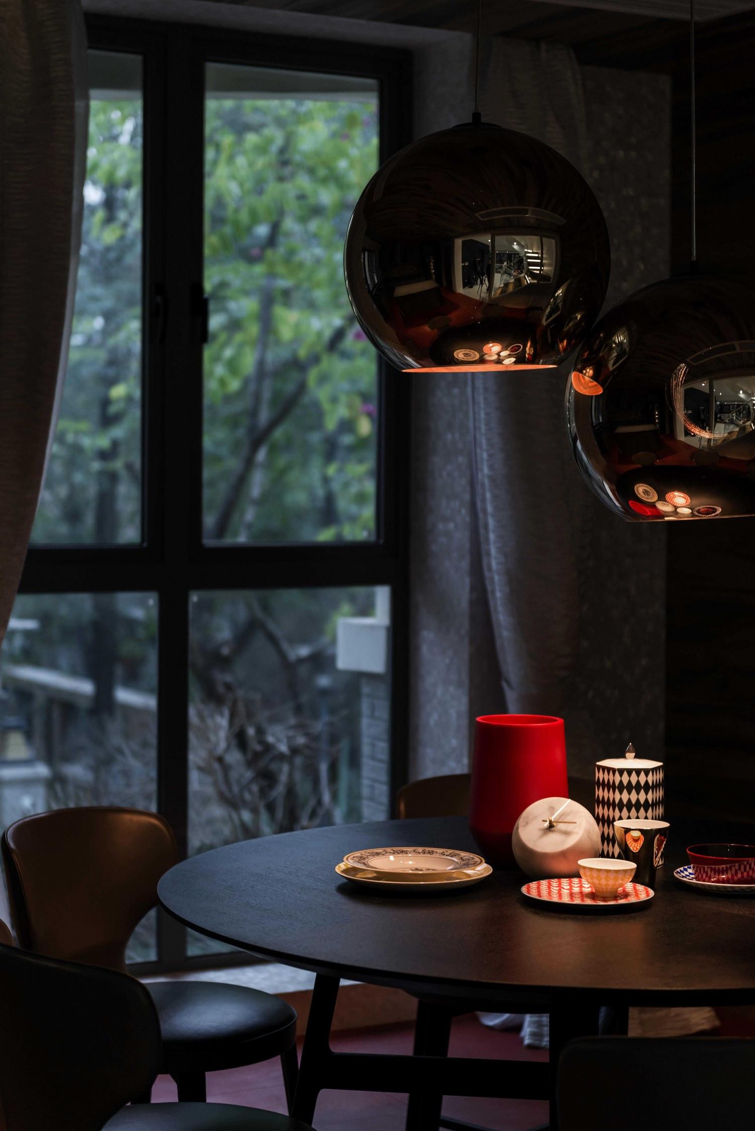 现代别墅装修餐桌图片