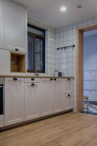 單身白領的北歐家櫥柜圖片