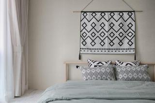 日式三居装修床头背景墙图片