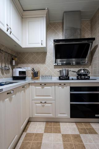 113平地中海三居装修厨房设计图