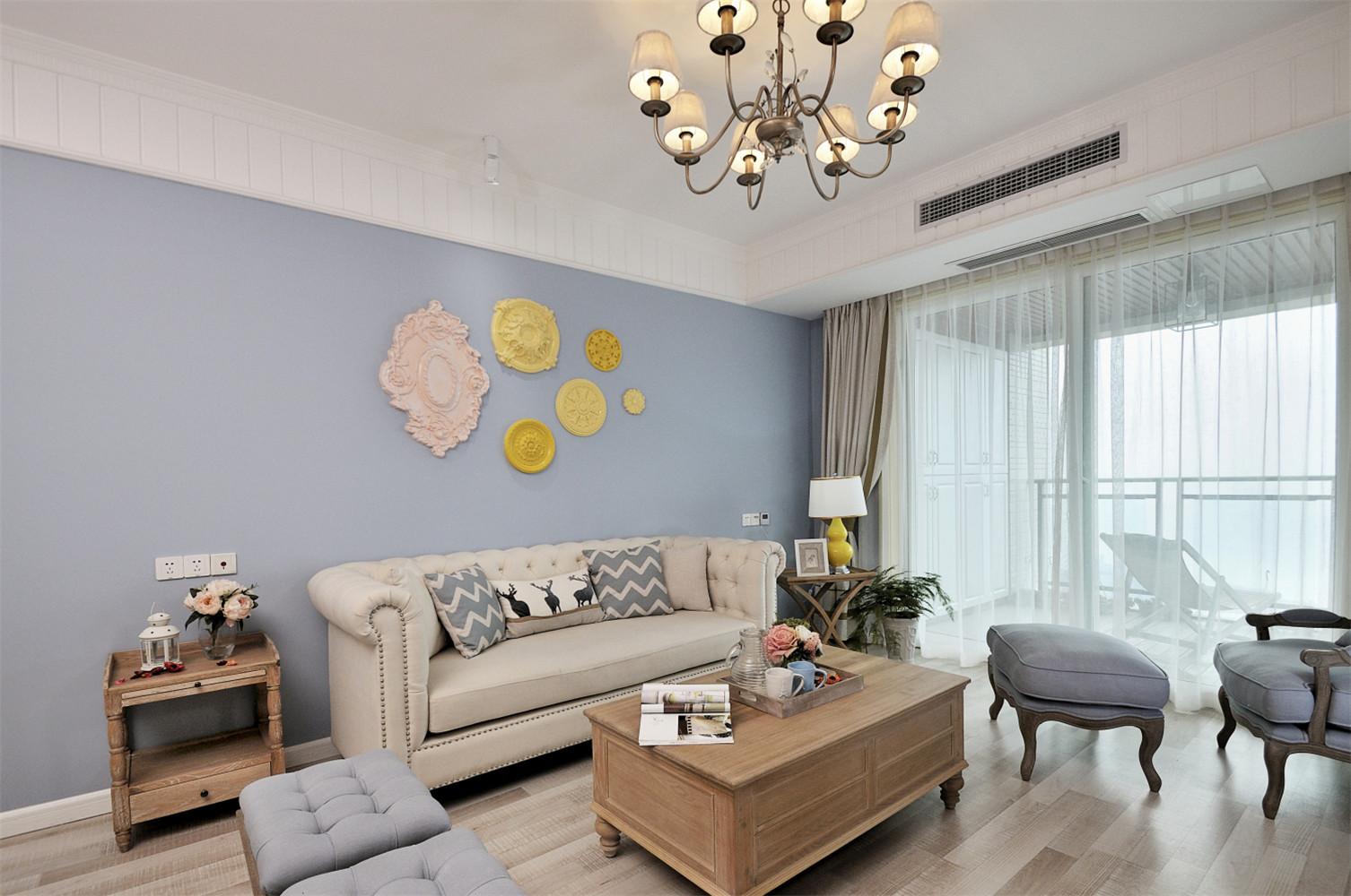 清新小法式四房装修沙发背景墙图片
