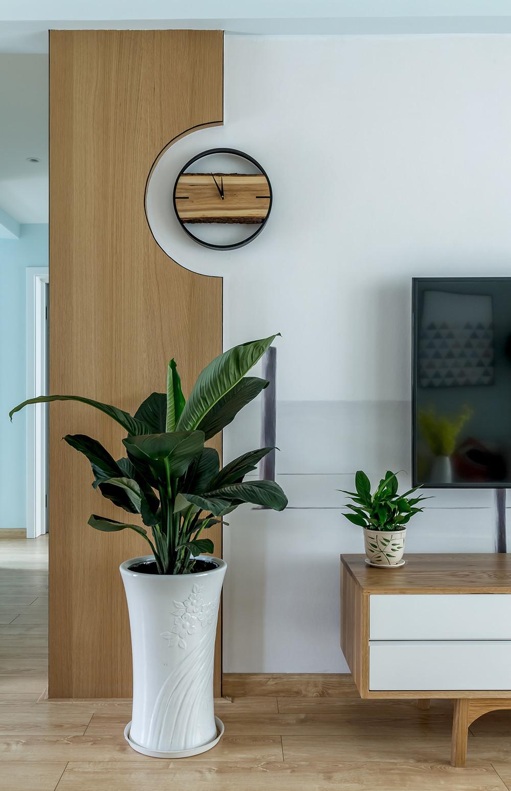 北欧三居装修装饰挂钟图片
