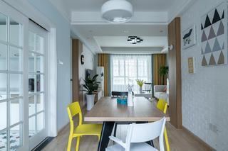 北欧三居装修餐桌图片