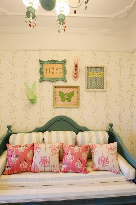 80平三居室设计背景墙装饰图片