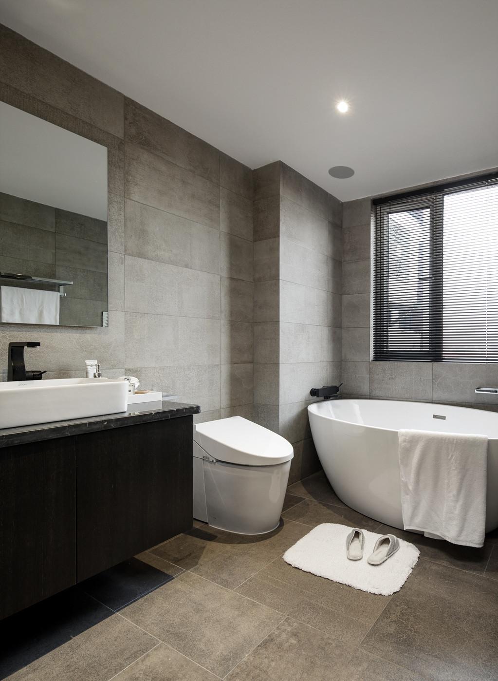 黑白灰三居设计卫生间效果图