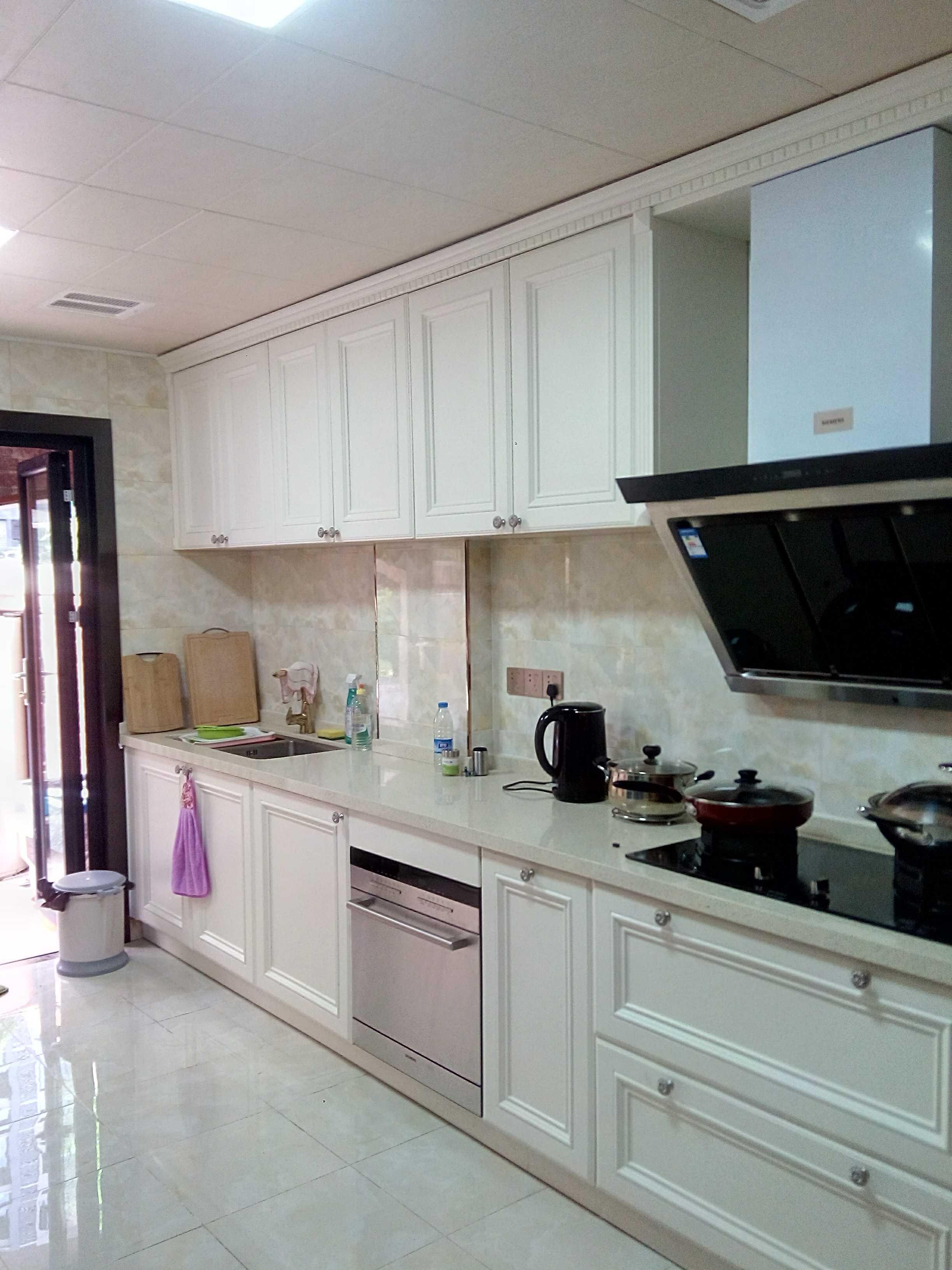 欧式风格别墅装修厨房设计图