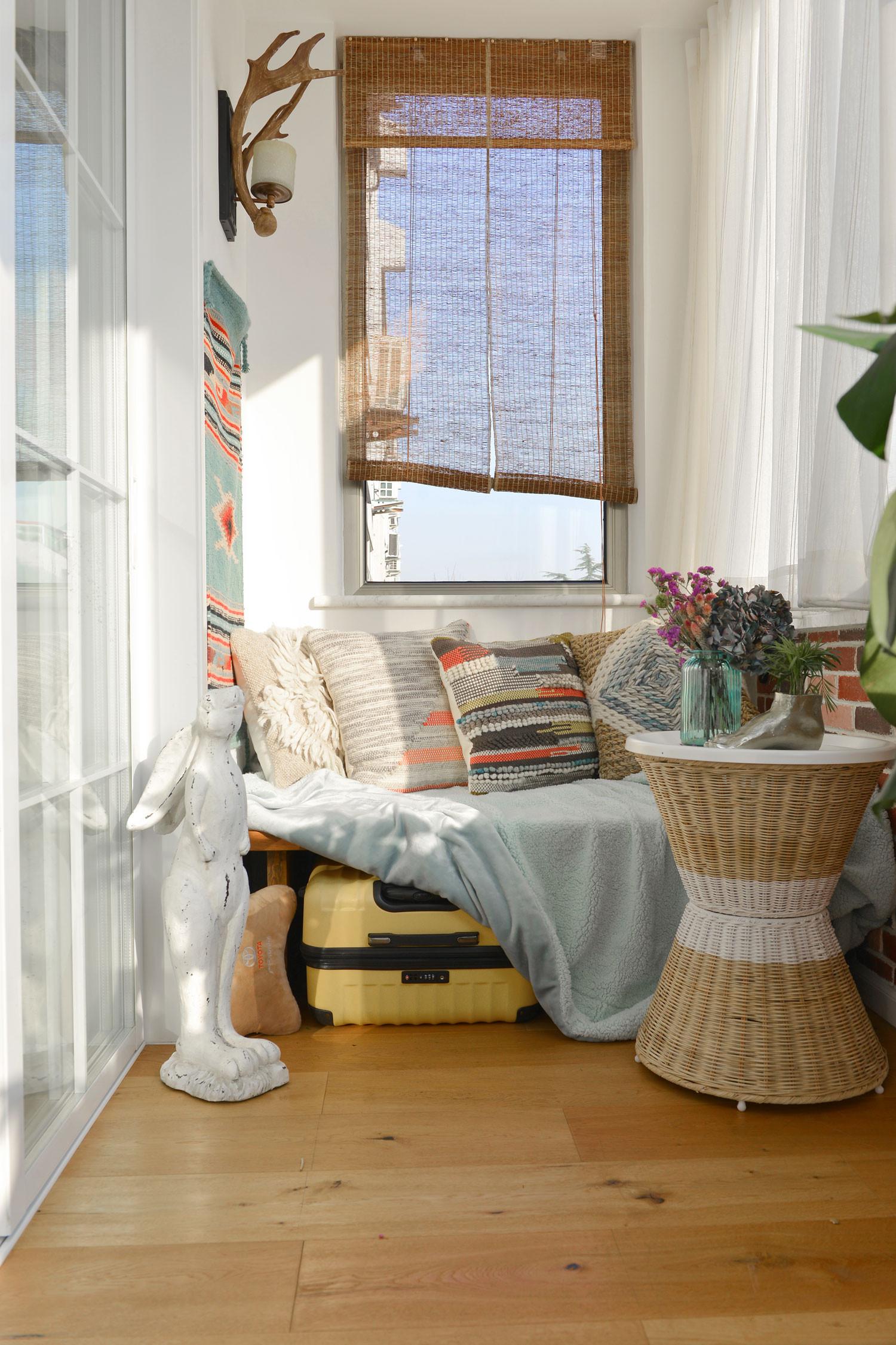 北欧风格三居装修阳台窗帘图片