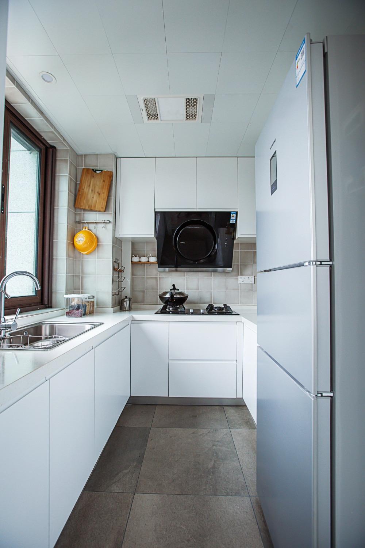 简约三居装修厨房效果图