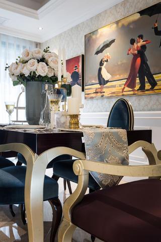 新古典三居装修餐桌椅特写