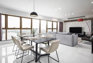 现代简约二居室装修餐厅设计图