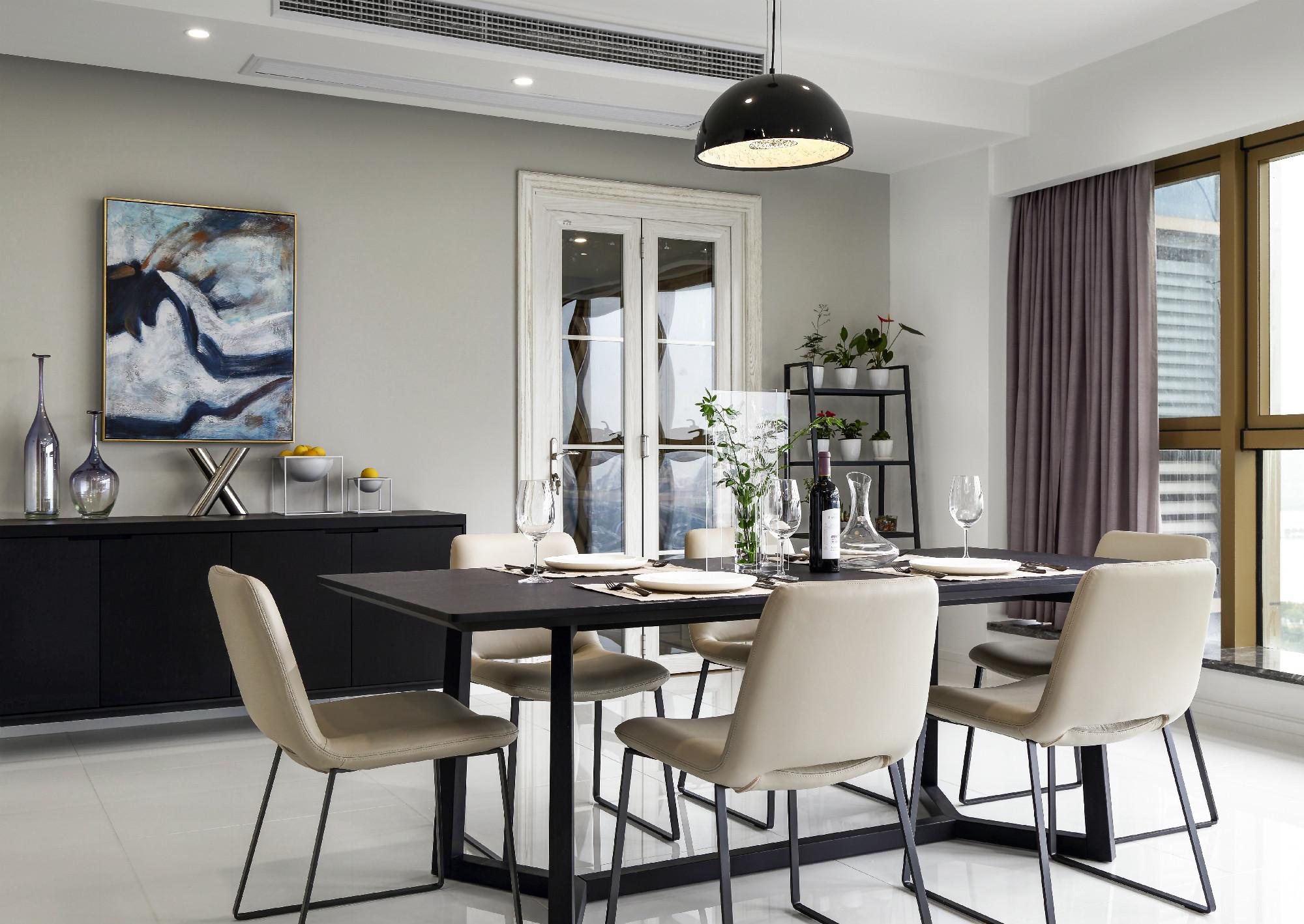 现代简约二居室装修餐桌椅图片