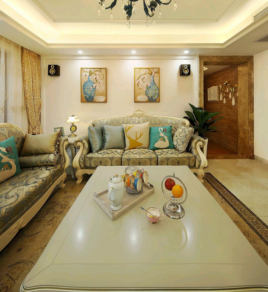欧式风格三居装修沙发背景墙图片