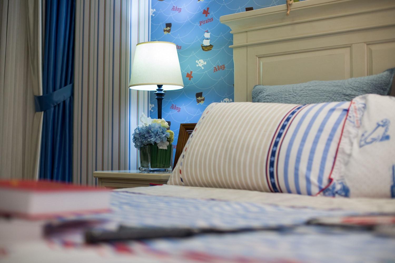 90㎡三居室设计床头一角