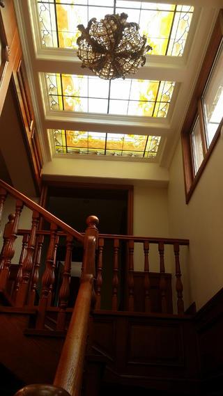 欧式别墅装修楼梯吊顶图片