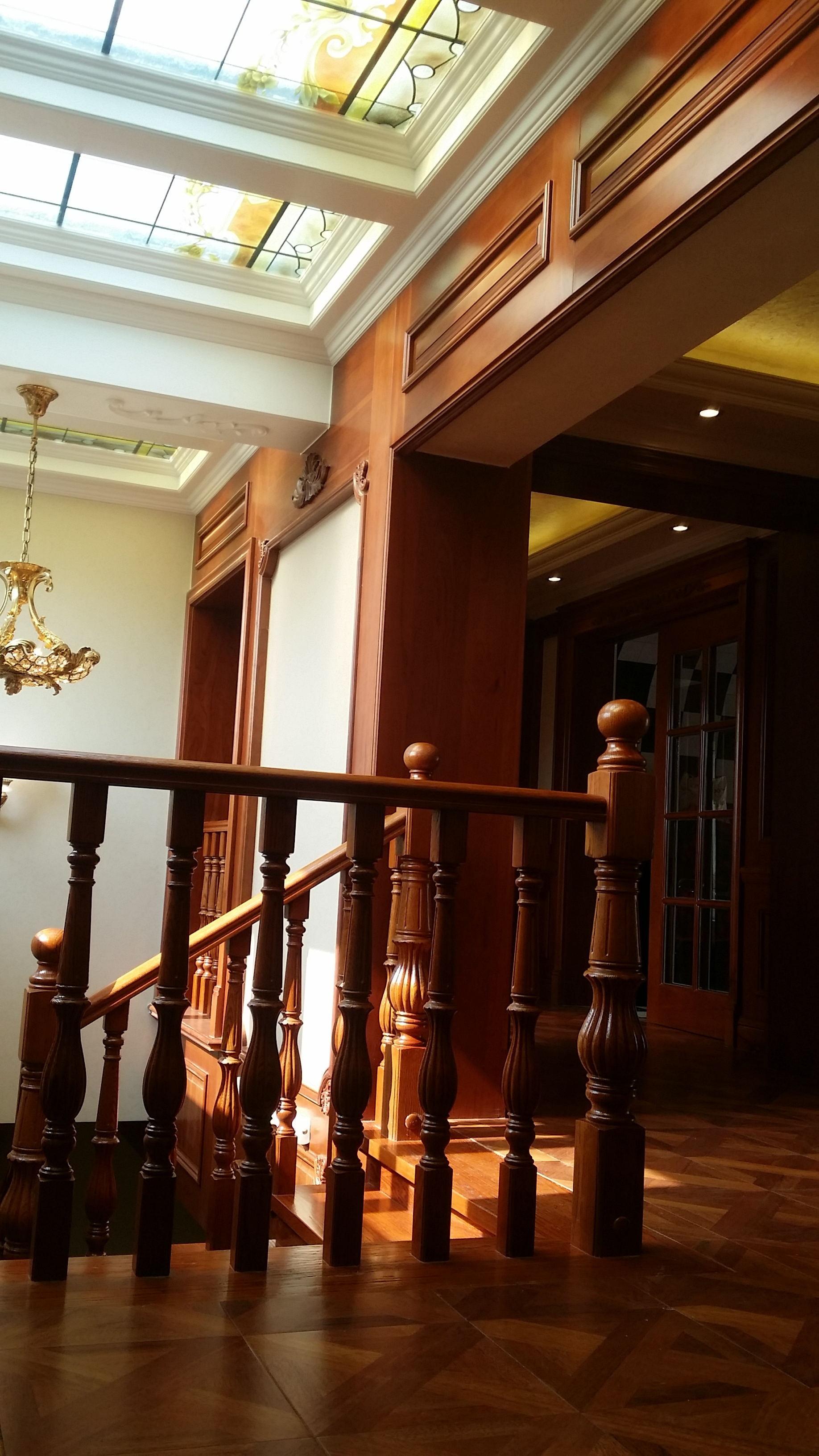 欧式别墅装修楼梯间图片